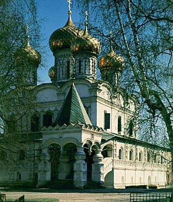 Троицкий собор в Ипатьевском монастыре в Костроме :: Впервые Ипатьевский монастырь упоминается на страницах летописей...